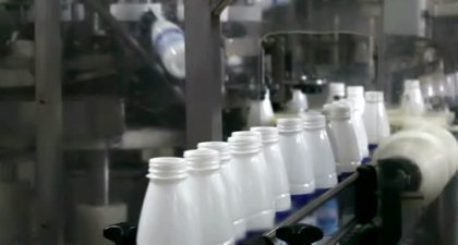 How beverages are bottled and packed in a factory?
